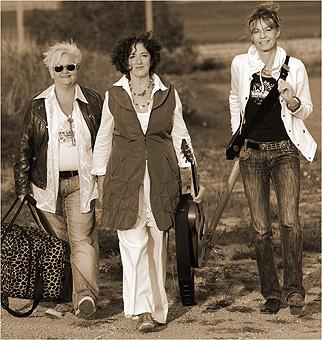 Kick La Luna (Trio)